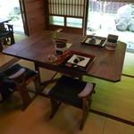 かりほ庵 - 庭を眺めながら食事が出来ます♪