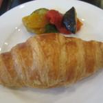 レイクサイドホテル久山 レストラン 湖翠 - 野菜のマリネとクロワッサン
