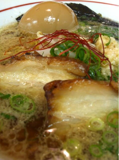 麺屋ひろ - 鶏がら醤油らーめん +半熟卵
