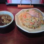 中華料理 松楽 - 五目炒飯 700円