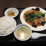ザ・肉餃子 四川厨房 - 豚肉とキクラゲ玉子炒め