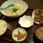チャイナ食堂かしん - 「餃子セット」(600円)水バージョン。