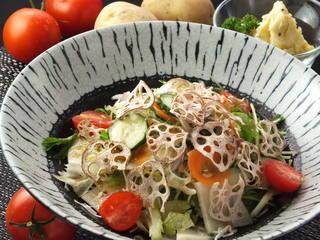 野菜ダイニング 薬師 - 20種類の野菜たっぷりサラダ