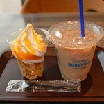 19835046 - ソフトクリームマンゴーとアイスカフェオレ