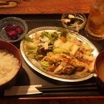博多八郎 - 肉野菜炒め¥480
