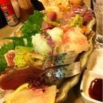 居酒屋 舞子 - 料理写真:刺し盛り一人前