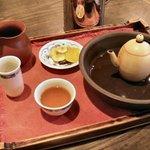 台湾茶藝館 月和茶 - 白亳烏龍茶(850円)