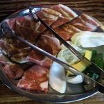 19851204 - もみじ豚ロース定食のお肉のアップです。