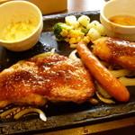 19851230 - 日替わりランチ・食べ放題サラダバイキングセット(\899)+ドリンクバー(\100)