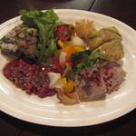 タマヤ - 勝手に前菜をいろいろ盛り合わせてもらいました(通常メニューにはありません)