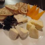 タマヤ - チーズ4種の盛合せ