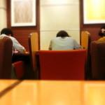 ドトールコーヒーショップ - 孤独が好きな人はこういうスペースへどうぞ~
