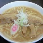 麺や新平 - 醤油らーめん(680円)+大盛り(50円)