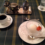 丸太町東洋亭 - グレープフルーツのシャーベットとコーヒー
