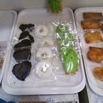 モンシェリー - 焼き菓子の棚3