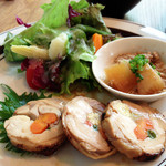 musubiのカフェ - メインは鶏もも肉の夏野菜包み ゆうあん焼き