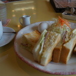 sandwich cafe うみねこ - モーニングセット(コーヒー400円+ミックスサンド350円)