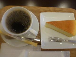 カフェ アン - チーズケーキセット ¥500