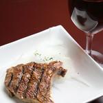 かとバル - エゾシカ骨付きロース。ノー●ル賞晩餐会で出る特別な肉です