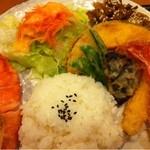 菜の花亭 - 皿盛り定食おかずアップ