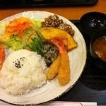 菜の花亭 - 皿盛り定食  これで700円!数量限定