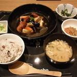 大かまど飯 寅福 - 豆腐と野菜、豚肉の黒酢餡かけ定食