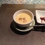 ウィー バー ウィッシュ - 再訪 お通し冷製コーンスープ