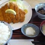 食事処 めし食うべ - ロースカツ定食