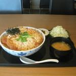 くしやき亭 - かつ丼<特盛W> ¥940