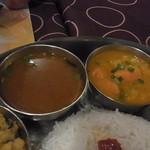 南インド ティファン&レストラン ムット - ラッサムとサンバル