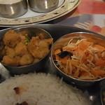 南インド ティファン&レストラン ムット - ポリヤルとアヴィアル