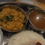 南インド ティファン&レストラン ムット - ダールとラッサム