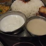 南インド ティファン&レストラン ムット - ヨーグルトとココナッツチャトニ