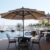 Mar Rosso - 内観写真:心地よい風が流れるテラス席。大切な人と優雅なひと時をお過ごしください。