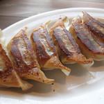 めんちゃんこ亭 - 平日のお得なランチセットメニュー。       めんちゃんこ560円に+100円で餃子がこれだけ付いてきます。