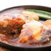 ボブバーグ - 料理写真:ふわふわの大人気メニュー!!ワインとの相性も○、トマトチーズバーグです♪