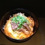 加寿屋 法善寺 - 油カス入りたにん丼