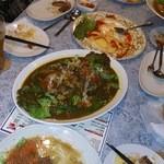 キッチン ドンナ・アール - 丸鶏のスープカレー!スプーンで鶏肉がほぐれる程煮込んであります。