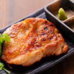 越後屋 竜之介 - 香り豊かで柔らか『大山鶏もも肉香味炙り』