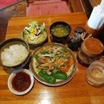 きーとどん - 豚のオイル焼き定食880円