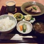 割烹きむら - 煮魚定食.jpg