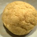 パン工房 Nohmi - 「メロンパン(白)(150円)」。メロンパンもお上品。