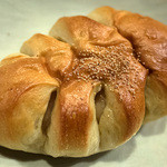 パン工房 Nohmi - 「白餡パン」(170円)。高級和菓子のようなあんパン。