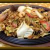 カネカツかなや食堂 - 料理写真:鉄板やきそば・・・昔から続く懐かしの醤油やきそば!