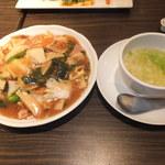 暖龍 - 五目焼きそばランチ 924円 五目あんかけ焼きそばとスープ 【 2013年7月 】