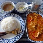 19885490 - 豚肉とレットカレー炒めランチ 800円