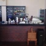カフェミル - 店内カウンター