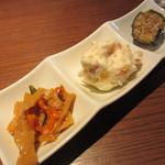 ナオライ - メンマとニンジンの炒め、ポテトサラダ、ナスの揚げ浸し