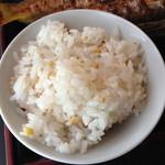 広尾 あいおい - ランチメニューあいおい御膳(1,200円)の五穀米