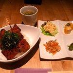 串焼あぱっち - 黒毛和牛カルビ丼780円